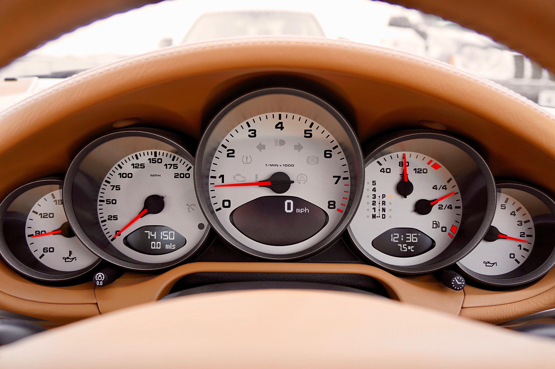 armaturenbrett-auto-autoinnenraum-887843